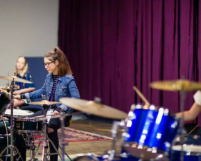 girls rock drums 600 x 365