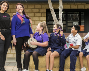 Deb Skelton and Thelma Plum with Students at Caladenia Primary School_Simon Santi_600x365